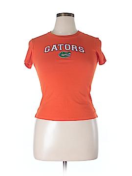 Kavio! Short Sleeve T-Shirt Size L