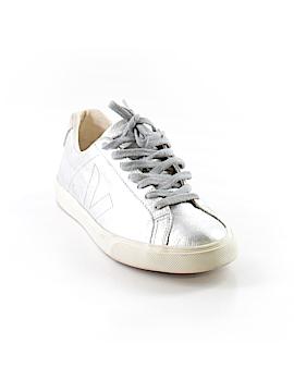 VEJA Sneakers Size 7