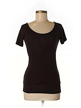 Discreet Short Sleeve Top Size M