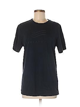 District. Short Sleeve T-Shirt Size M