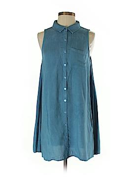 Derek Heart Sleeveless Button-Down Shirt Size M