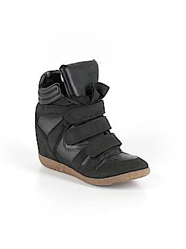 Xhilaration Sneakers Size 7