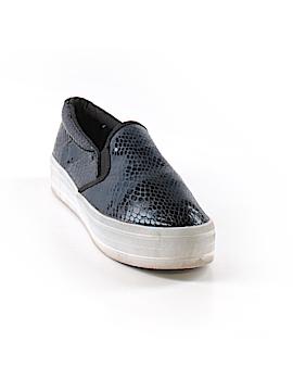 Bongo Sneakers Size 6