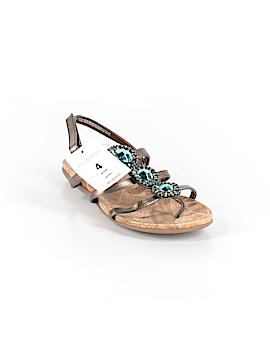Xhilaration Sandals Size 4