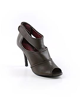 Tahari Heels Size 5 1/2