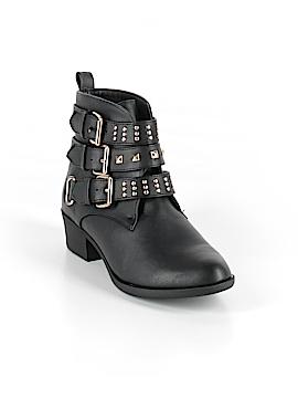 Shoedazzle Ankle Boots Size 7