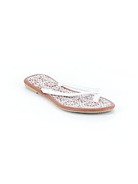 Capelli New York Flip Flops Size 8