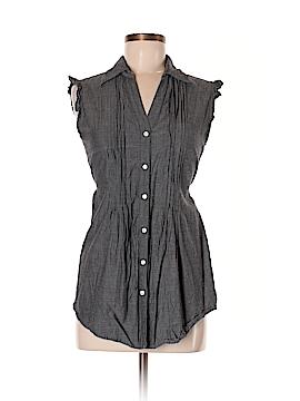 Fun & Flirt Sleeveless Button-Down Shirt Size M
